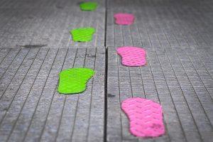 footsteps-1697220_640